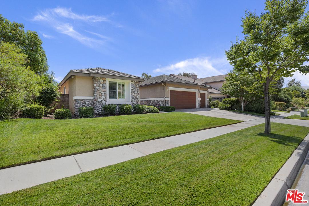 665 John Drive Corona, CA 92879