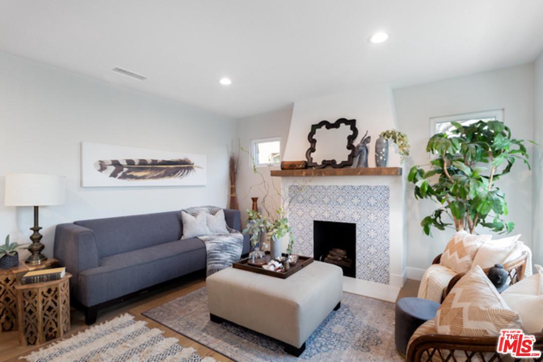 Single Story property for sale at 807 COEUR D ALENE Avenue, Venice California 90291