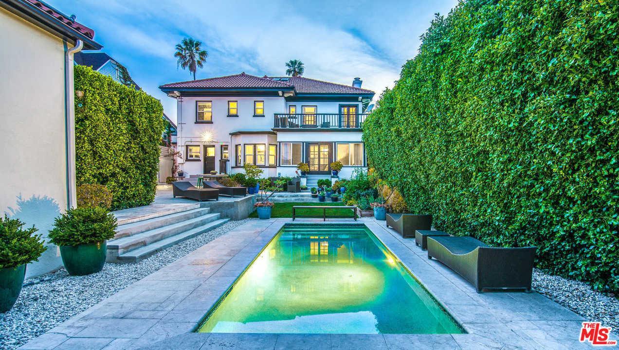 564 North Normandie Avenue Los Angeles, CA 90004