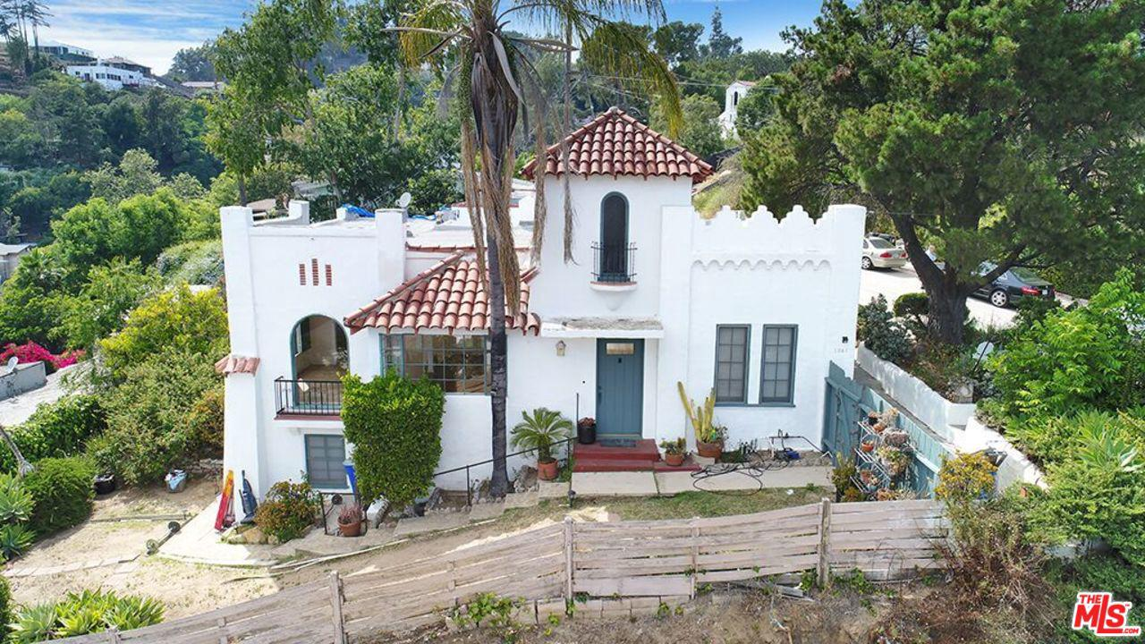 1941 Redesdale Avenue Los Angeles, CA 90039