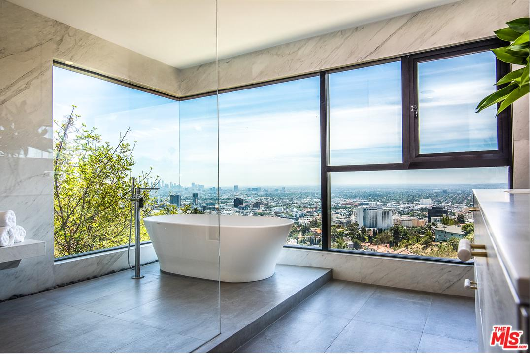 6939 OPORTO Drive, Hollywood Hills, California