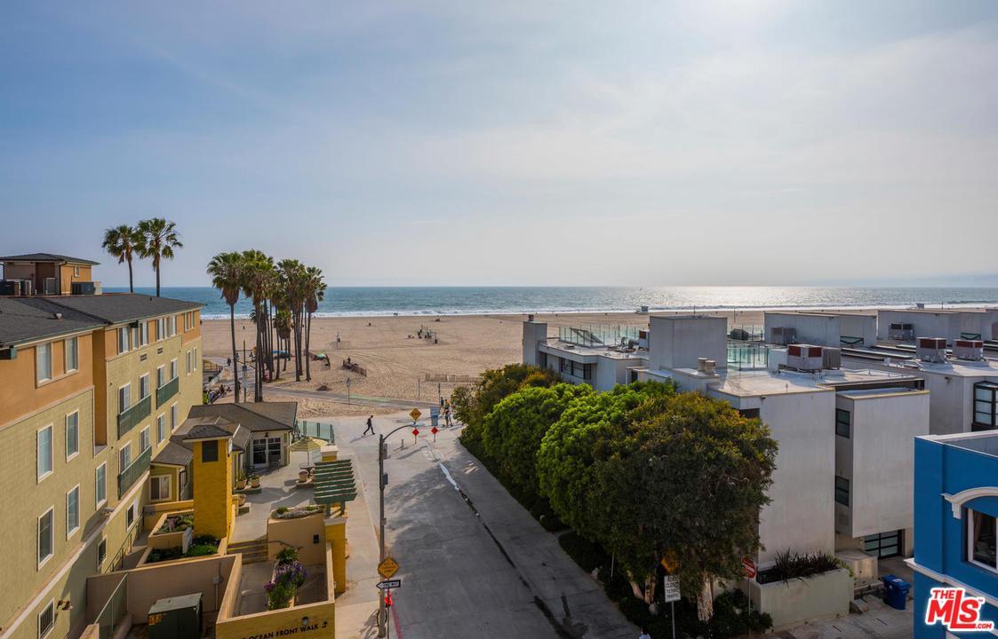 22 Navy Street Venice, CA 90291