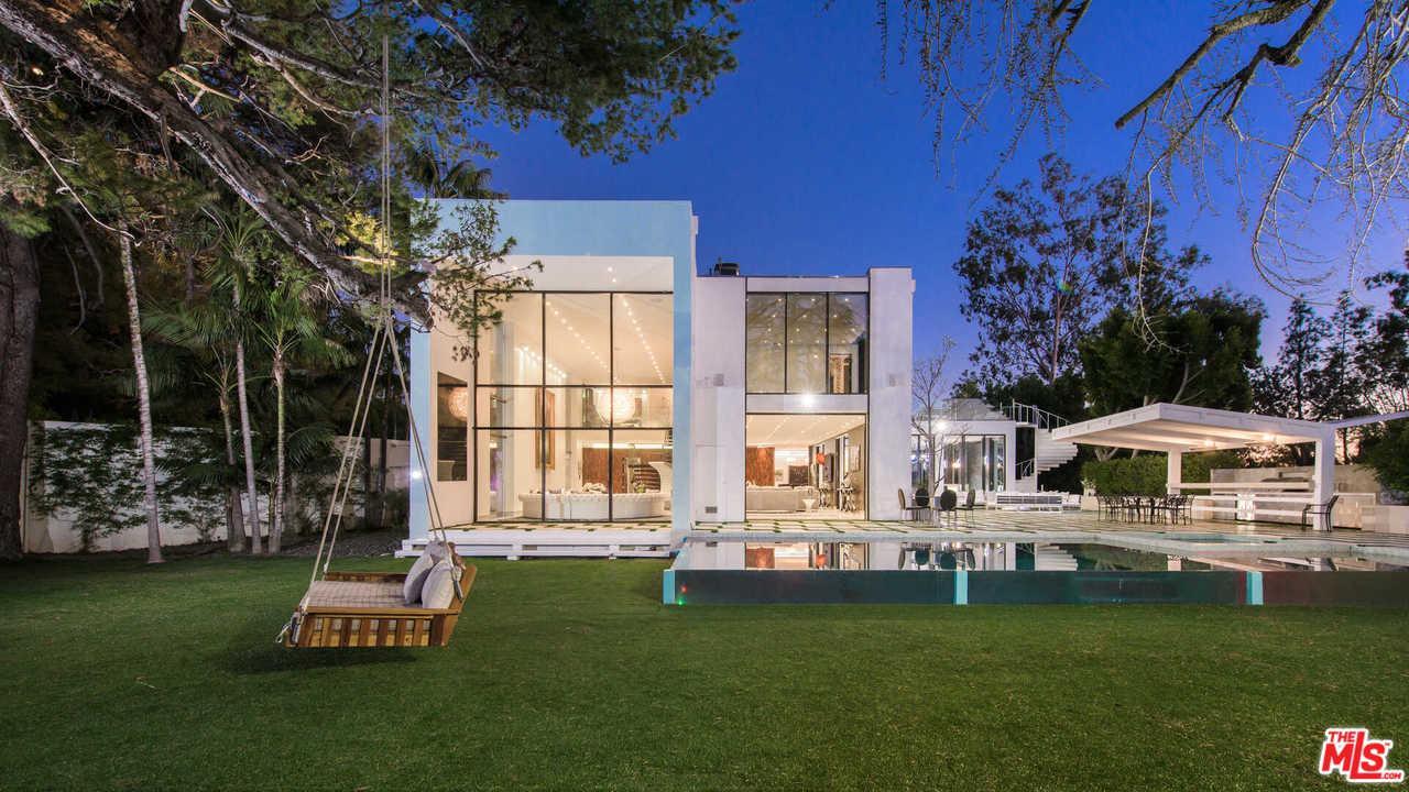 1024 SUMMIT Drive, Beverly Hills, California