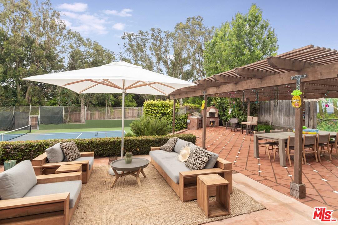 6738 Wildlife Road Malibu, CA 90265