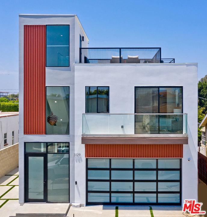 3129 Helms Avenue Los Angeles, CA 90034