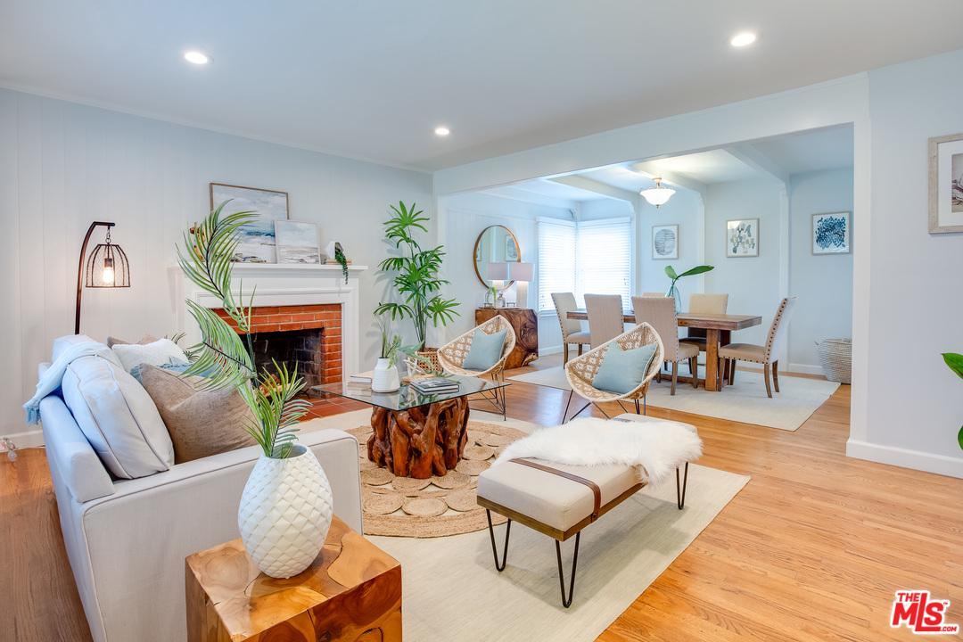 8136 Holy Cross Place Los Angeles, CA 90045