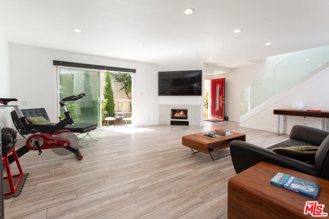 One of Marina Del Rey 2 Bedroom Homes for Sale at 4730 LA VILLA MARINA