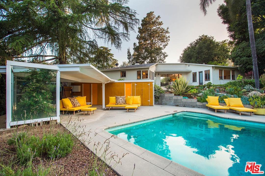 1081 Alta Pine Drive Altadena, CA 91001