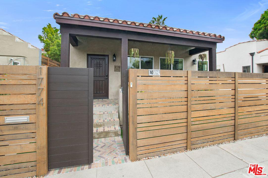 1774 Washington Way Venice, CA 90291