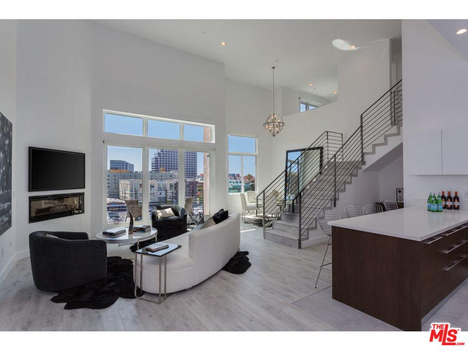 118 South KENWOOD Street, one of homes for sale in Glendale