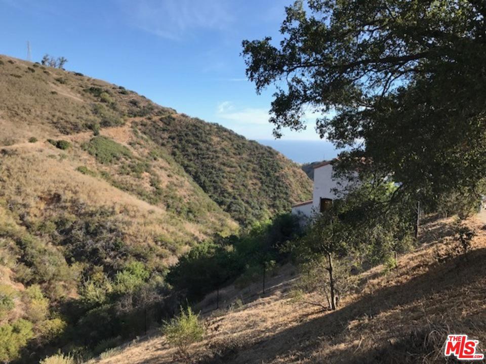26557 Ocean View Dr Malibu, CA 90265