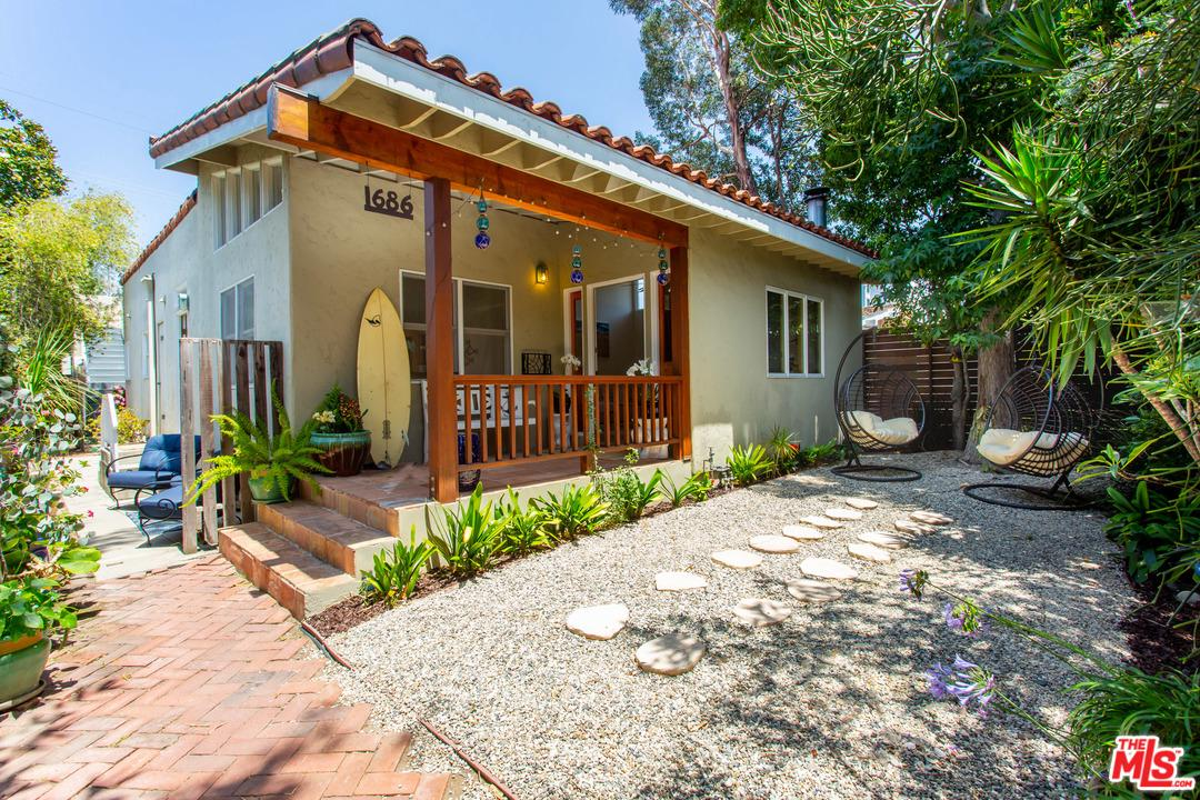 1686 Electric Avenue Venice, CA 90291