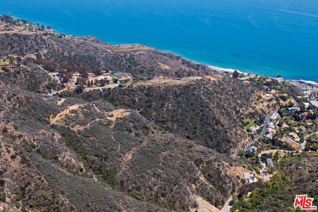 20715 Las Flores Mesa Drive Malibu, CA 90265