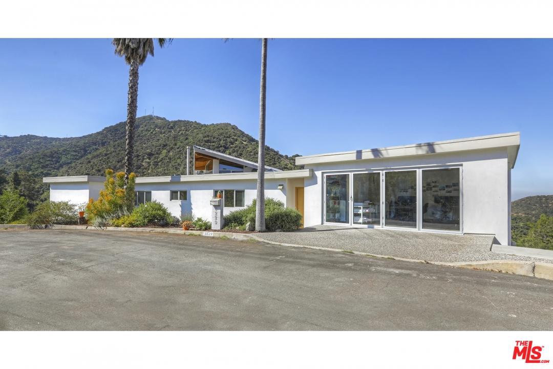3229 BUCKINGHAM Road, Glendale, California