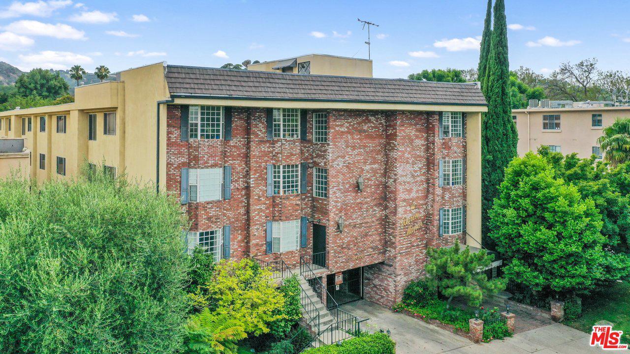 One of Van Nuys 2 Bedroom Homes for Sale at 14106 DICKENS Street