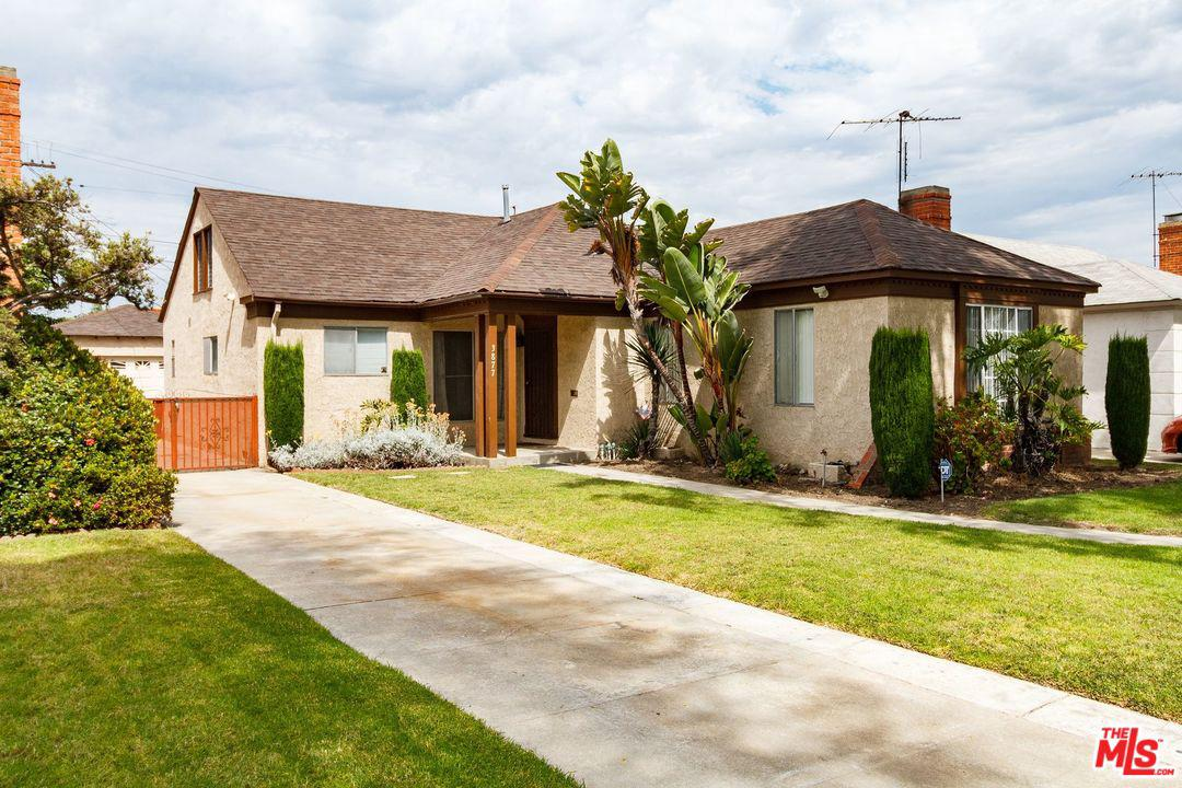 3877 GRAYBURN Avenue, Crenshaw, California