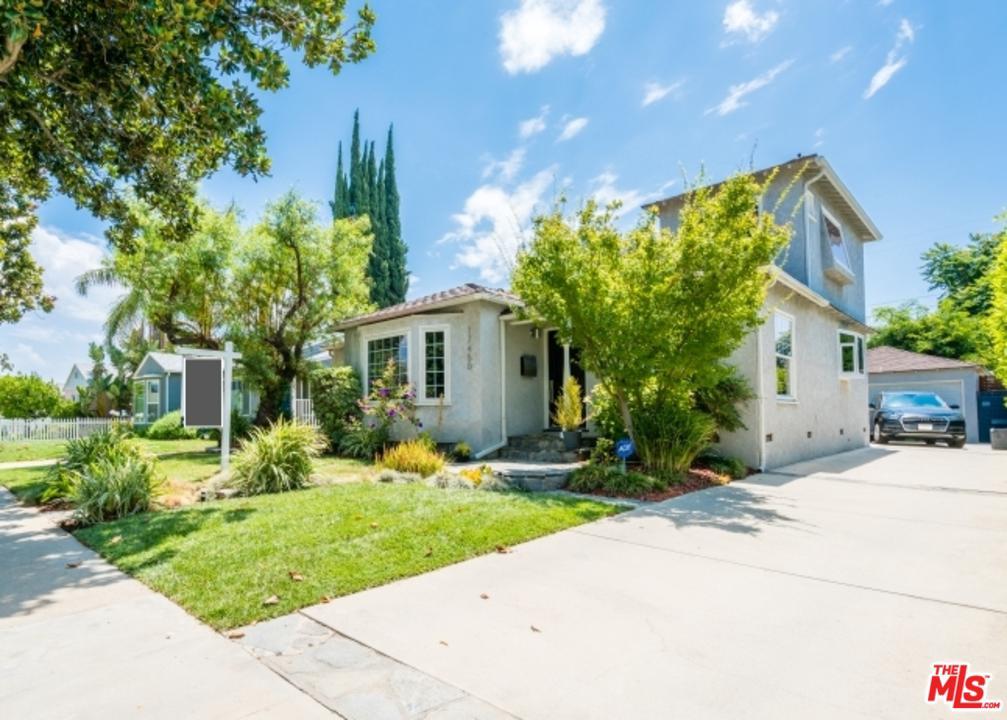17450 HAYNES Street, Van Nuys, California