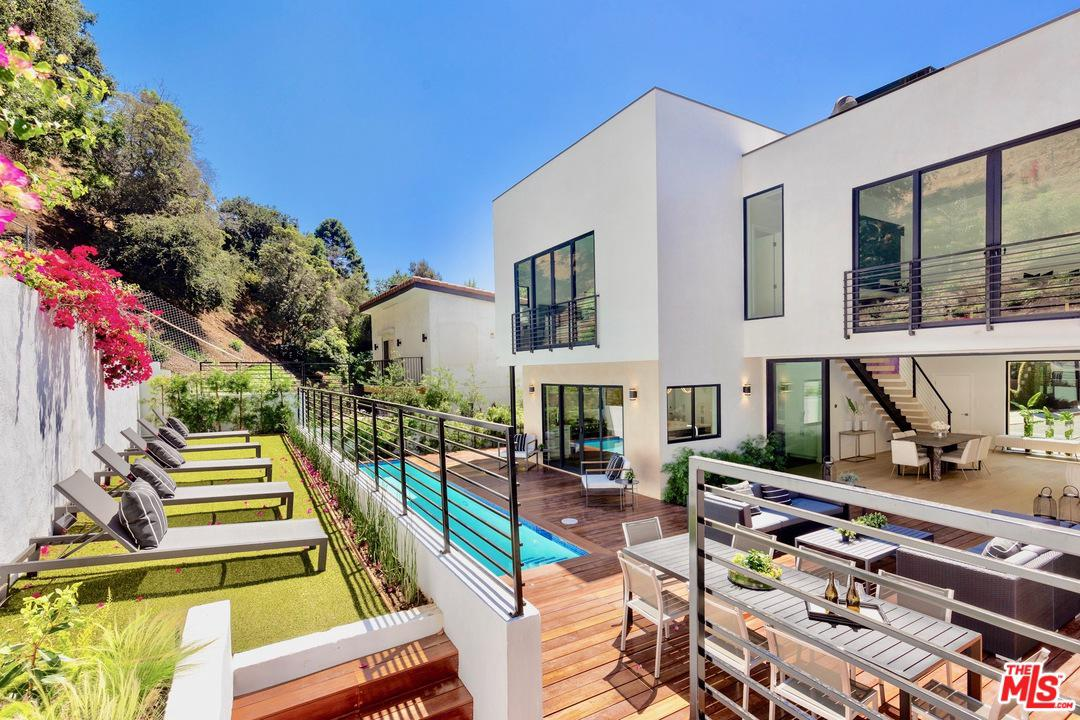 2044 BENEDICT CANYON Drive, Beverly Hills, California