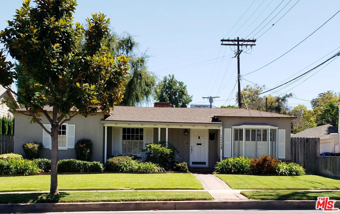 One of Toluca Lake 2 Bedroom Homes for Sale at 10542 MOORPARK Street