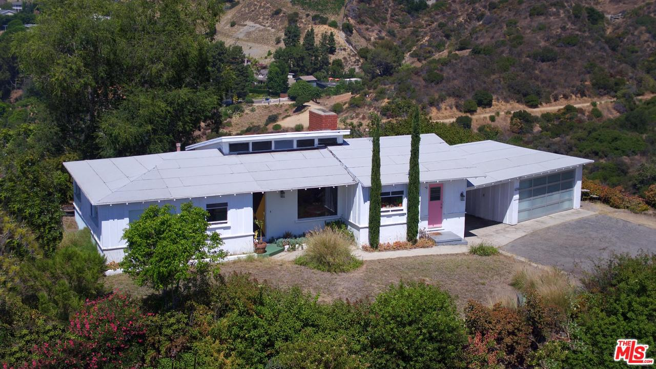 6258 MULHOLLAND Highway, Hollywood Hills in Los Angeles County, CA 90068 Home for Sale