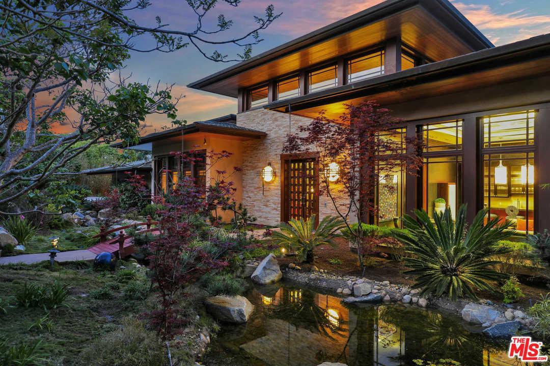 6089 LA JOLLA SCENIC Drive, one of homes for sale in La Jolla