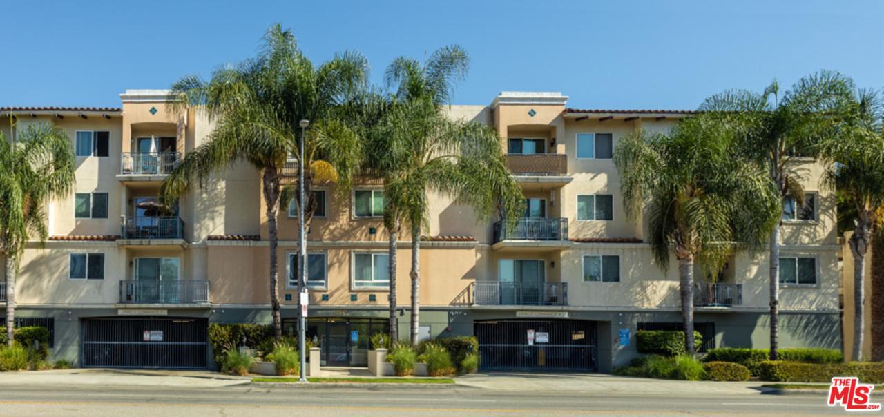 13941 SHERMAN Way, Van Nuys, California