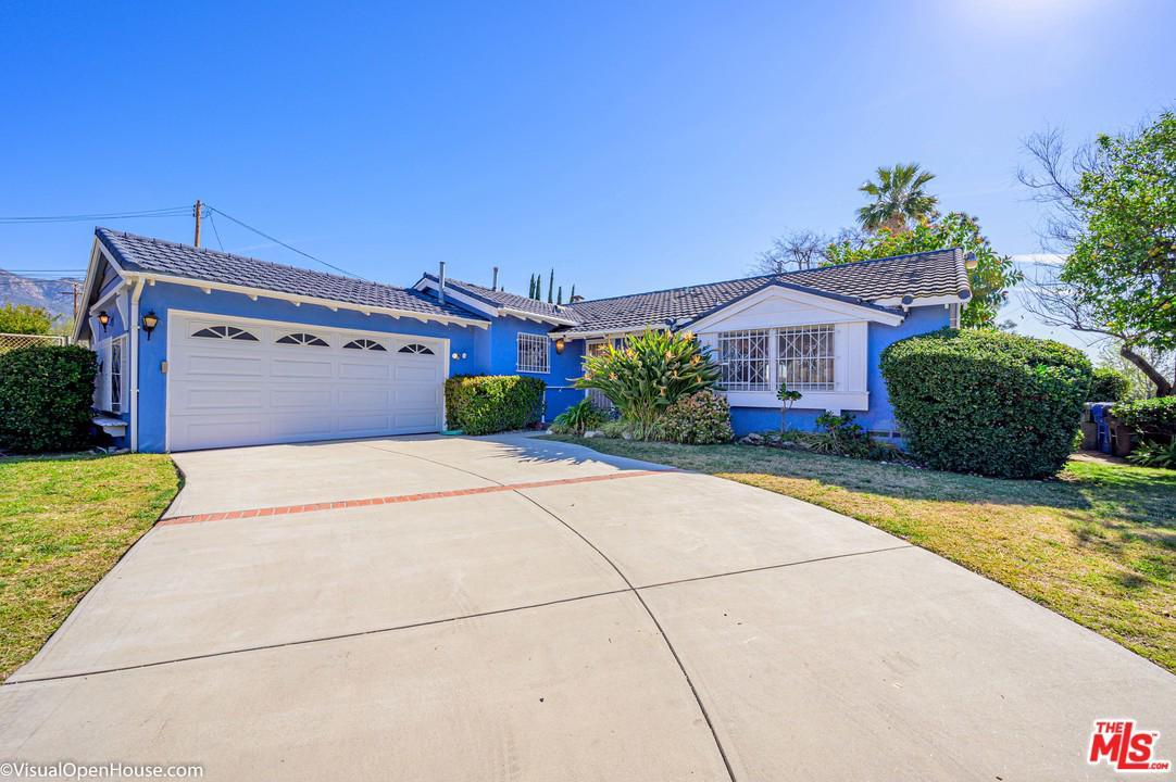 957 West WOODBURY Road, Altadena, California