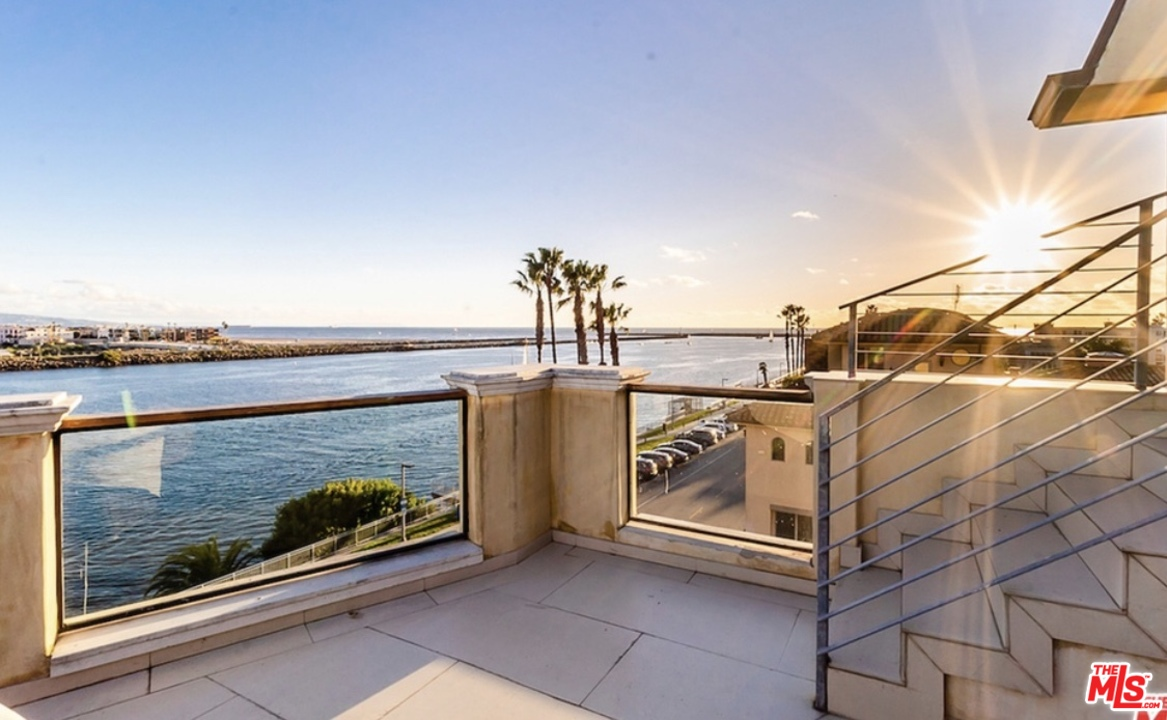 119 VIA MARINA, one of homes for sale in Marina Del Rey
