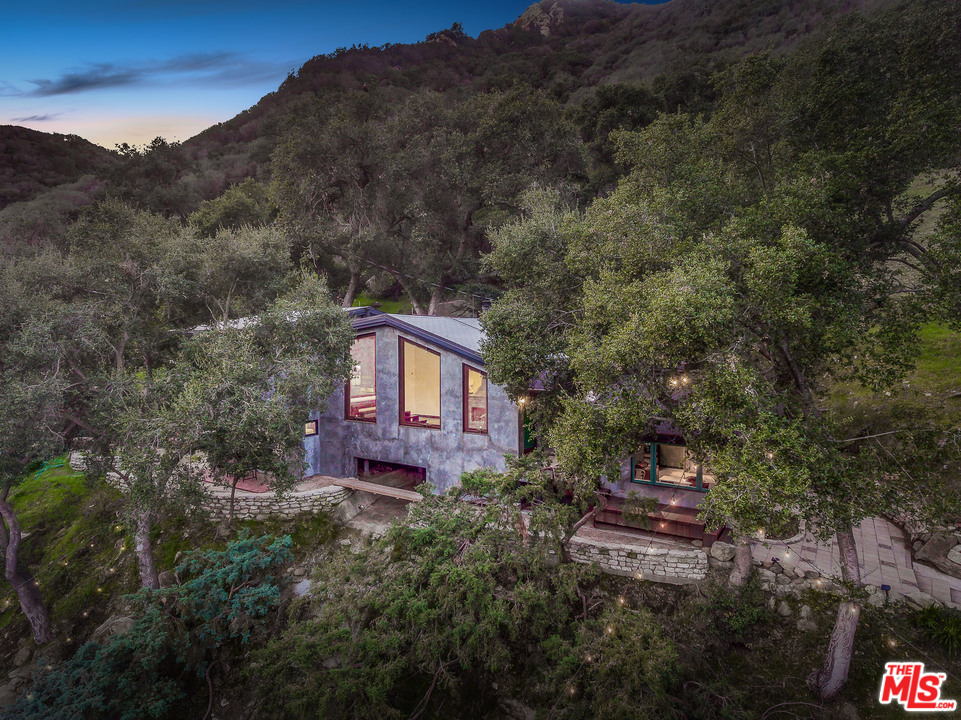 975 OLD TOPANGA CANYON Road, Topanga, California