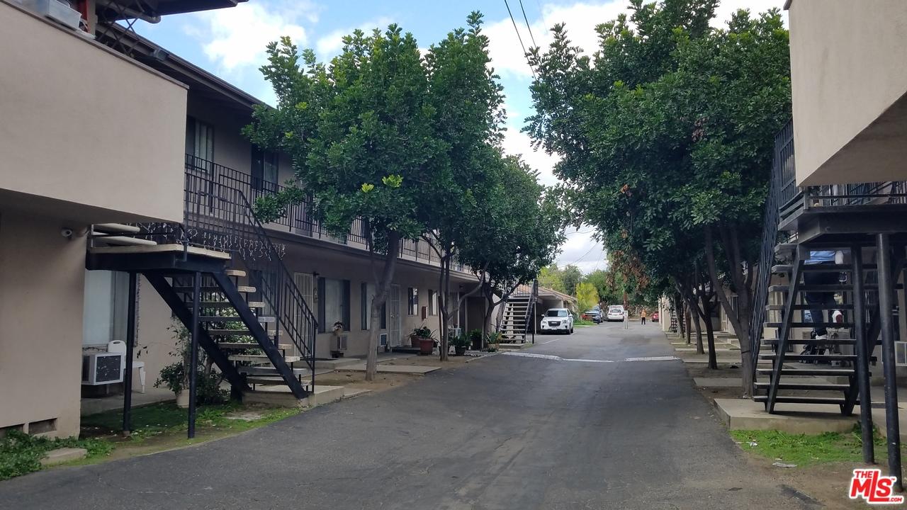 13931 OXNARD Street, Van Nuys, California