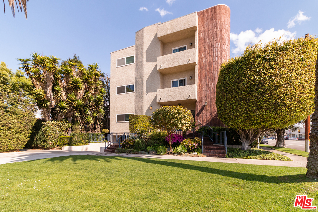 3992 EAST, one of homes for sale in Mar Vista