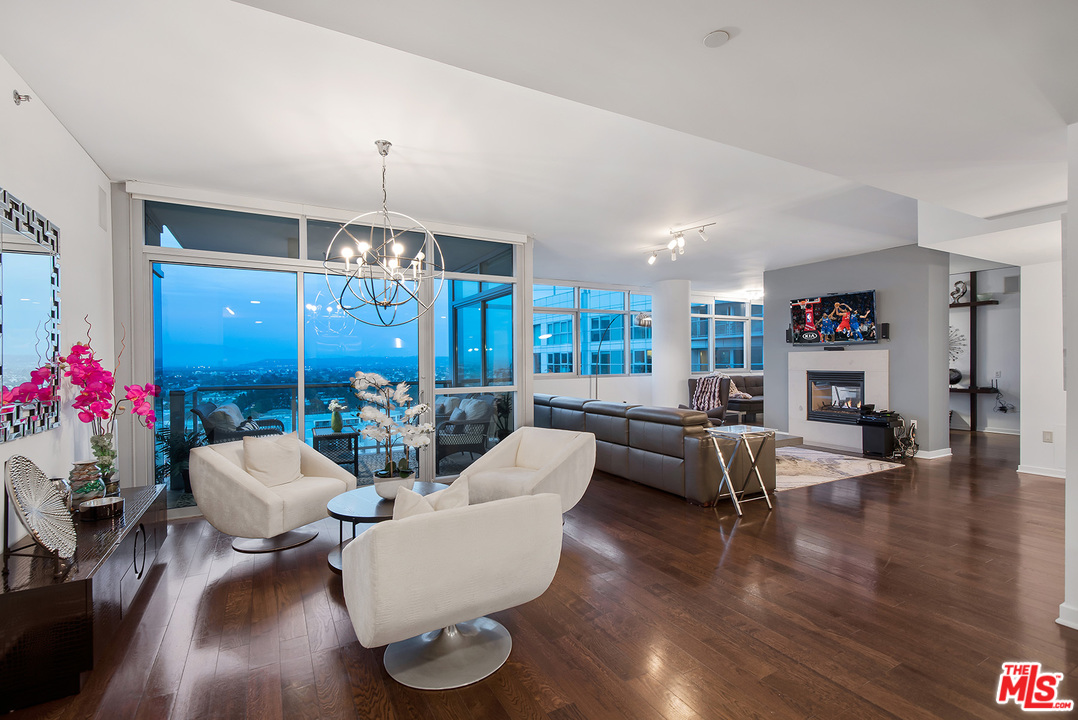 13650 DR MARINA POINTE, one of homes for sale in Marina Del Rey