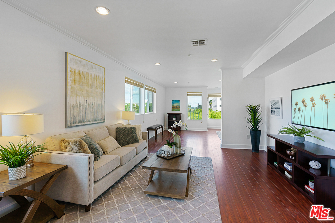 11801 WAY AVON, one of homes for sale in Mar Vista