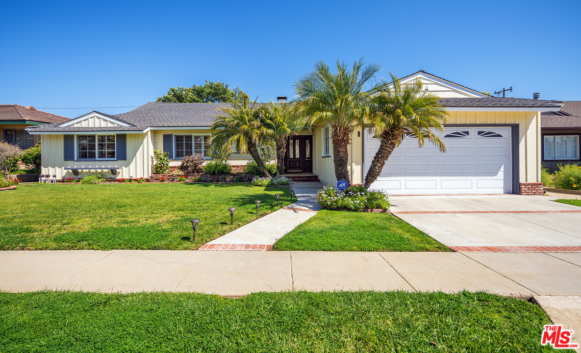 5932 AVE WOOSTER, Crenshaw, California