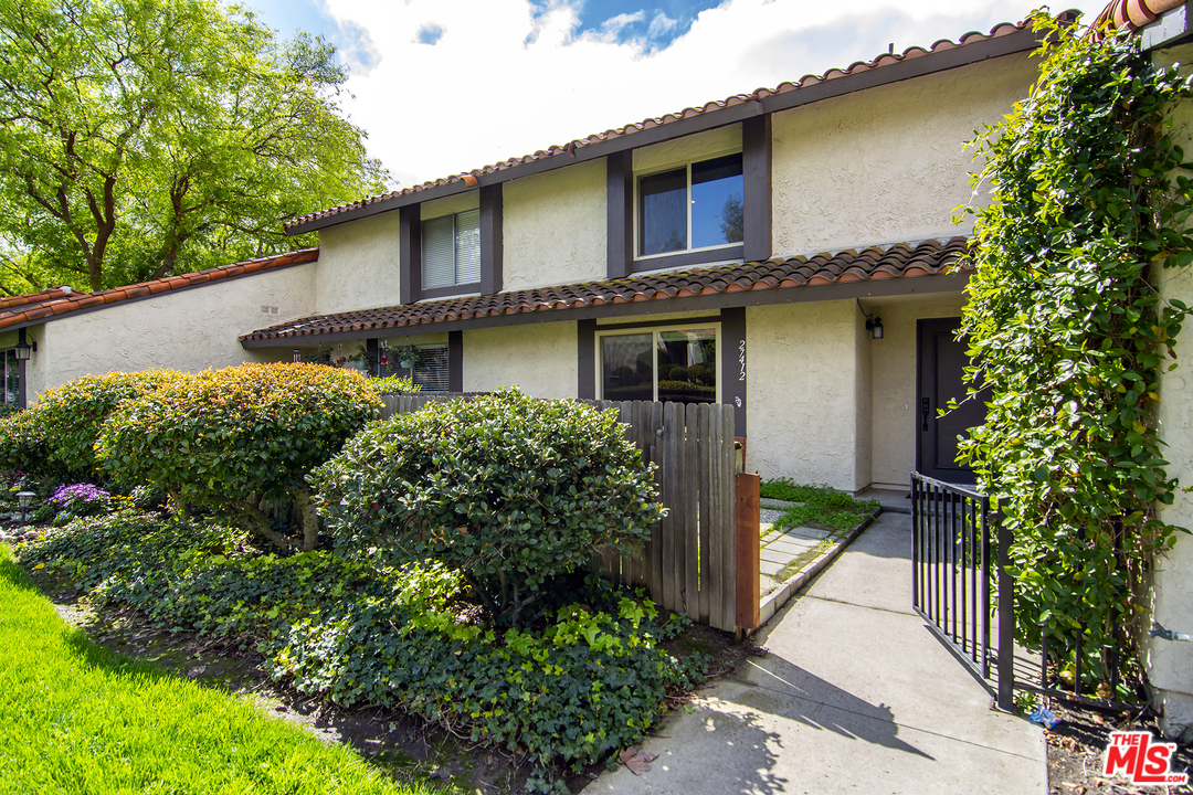 27412 ST RONDELL, one of homes for sale in Agoura Hills