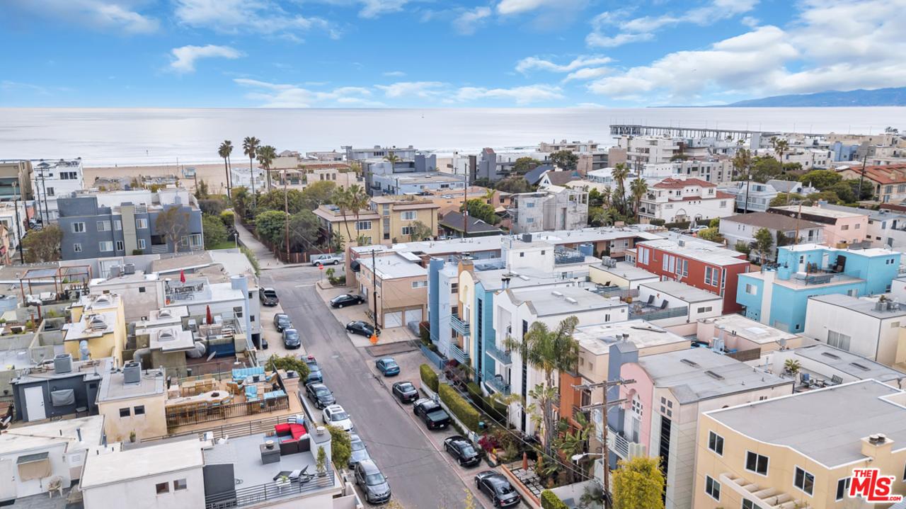 122 ST GALLEON, Marina Del Rey, California