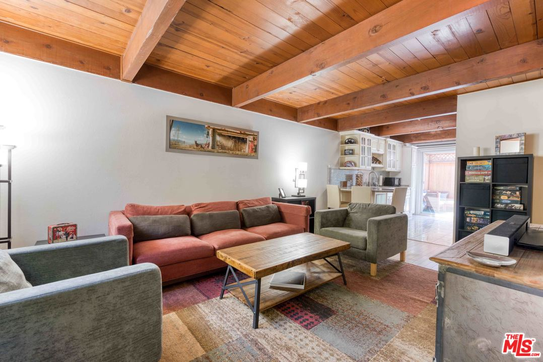 4040 BLVD GRAND VIEW, one of homes for sale in Mar Vista