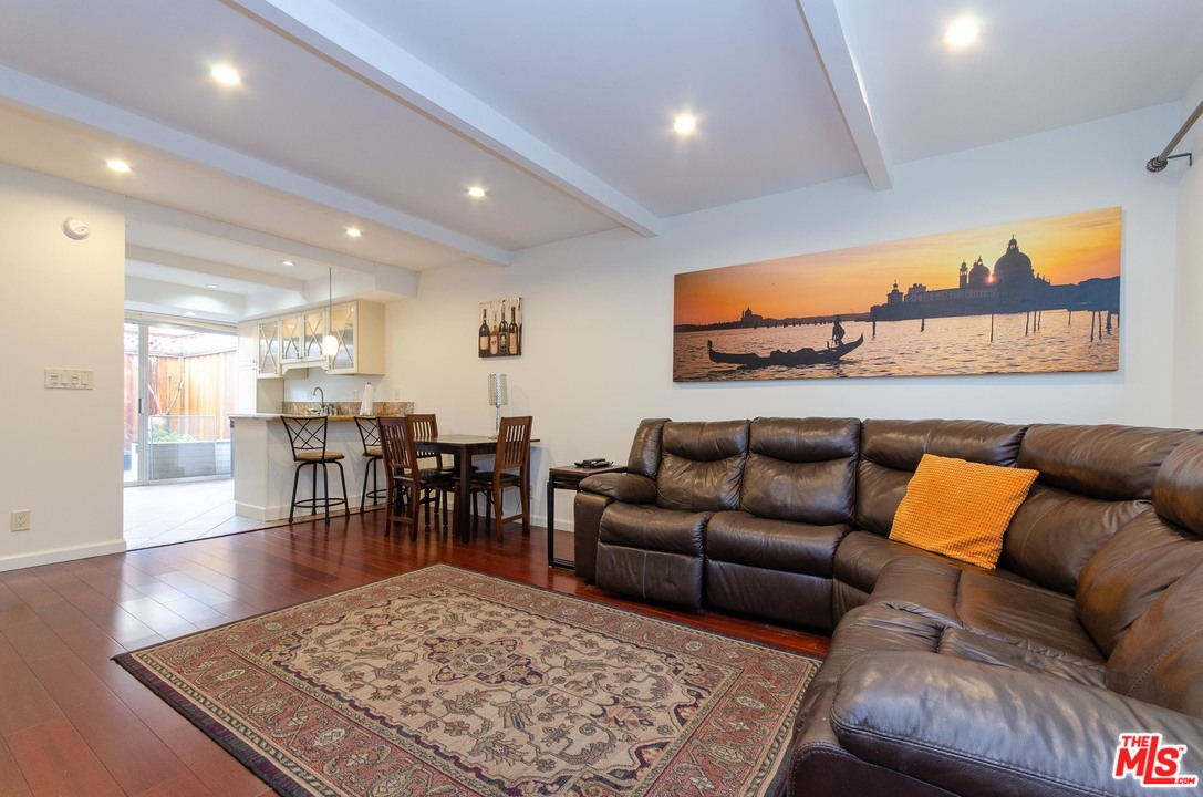 4040 GRAND VIEW, one of homes for sale in Mar Vista