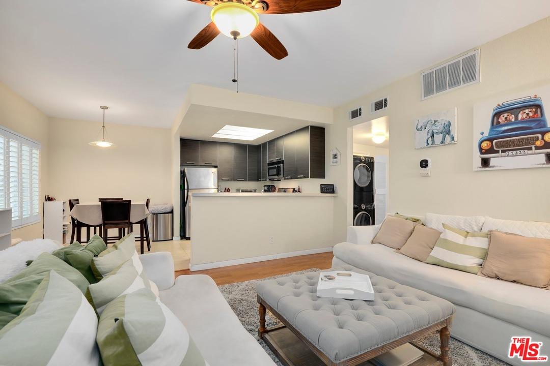 11733 WAY AVON, Mar Vista in Los Angeles County, CA 90066 Home for Sale