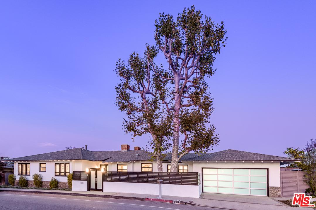 2418 RD ROSCOMARE, Beverly Glen, California