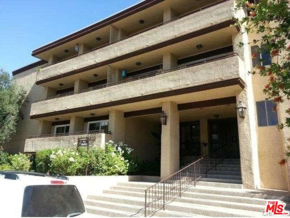 5412 AVE LINDLEY, Encino, California