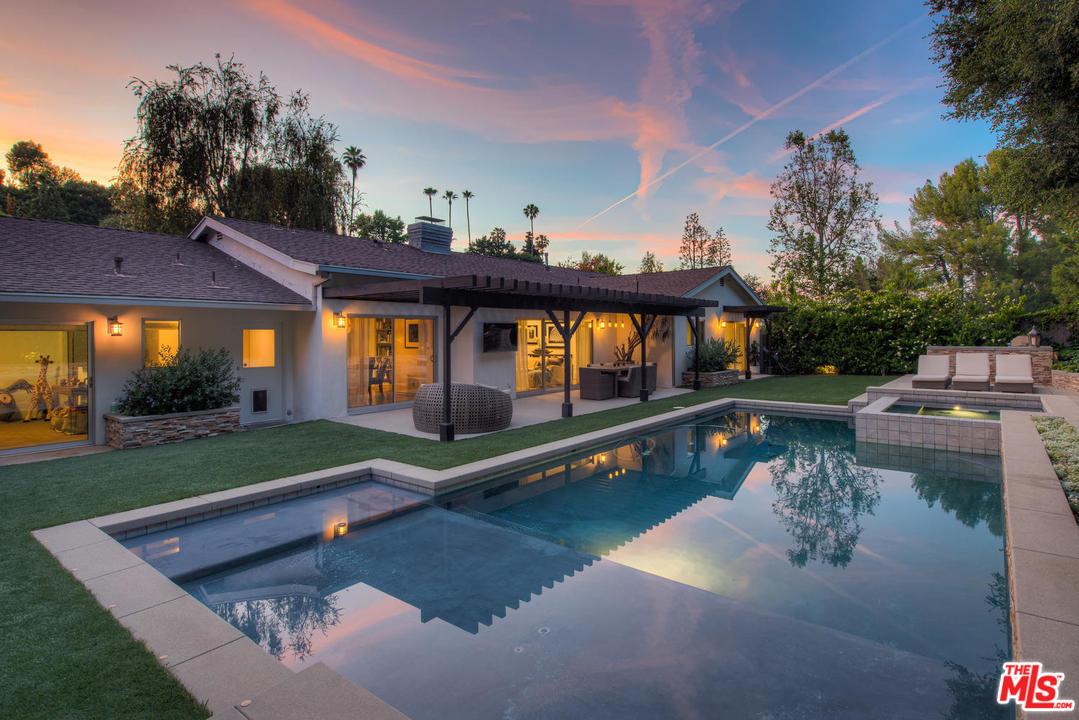 3926 RD BALLINA CANYON, Encino, California