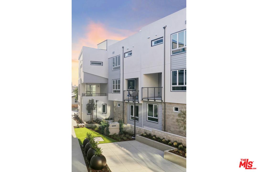1118 N AVENUE 56, Monterey Hills, California