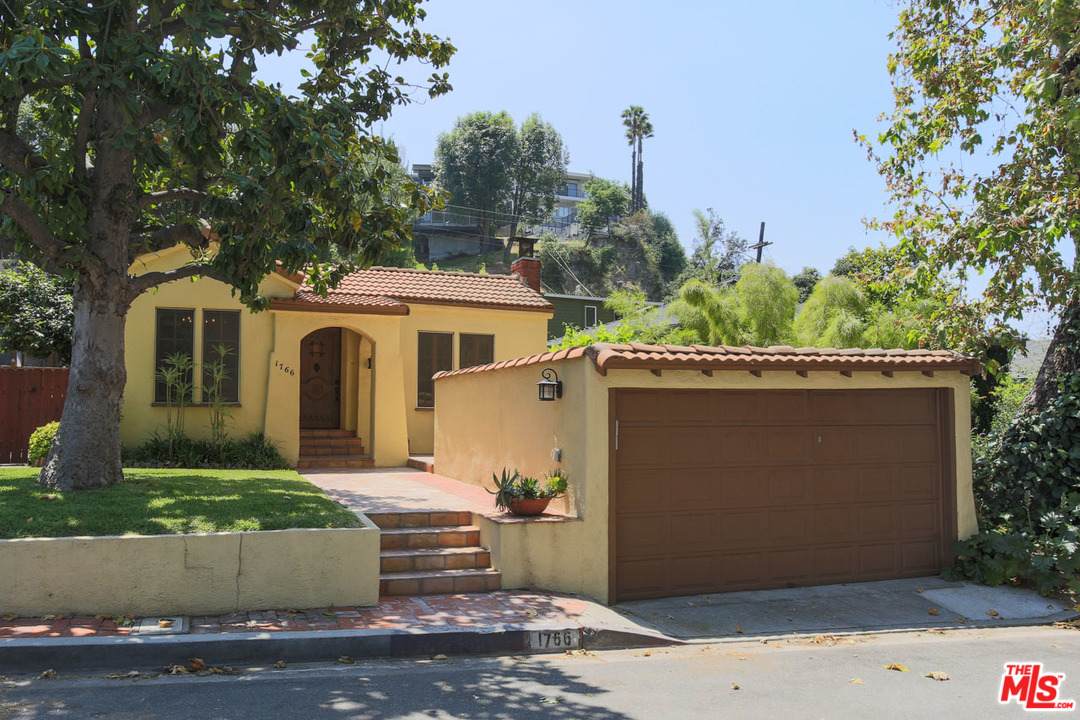 1766 AVE WOODLAND, Glendale, California