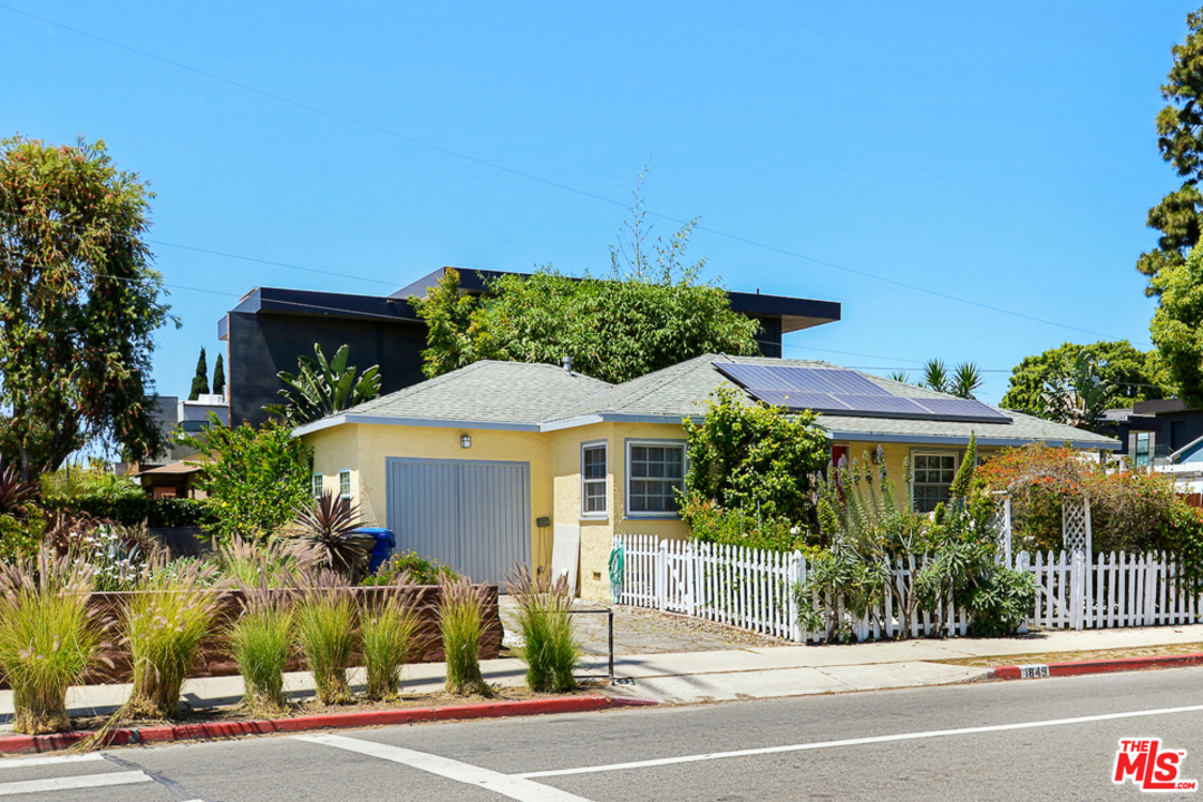 One of Mar Vista 2 Bedroom Homes for Sale at 1849 AVE WALGROVE