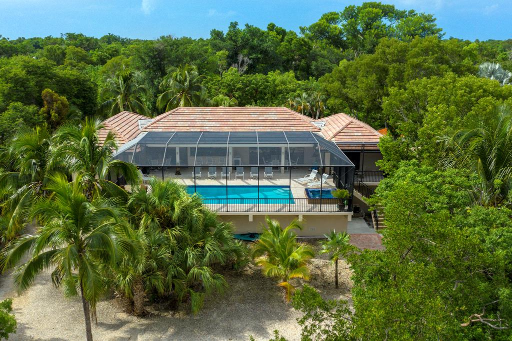 12 South Bridge Lane, Key Largo in Monroe County, FL 33037 Home for Sale