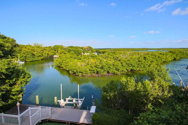 47 Sunrise Cay Dr, Key Largo, FL 33037