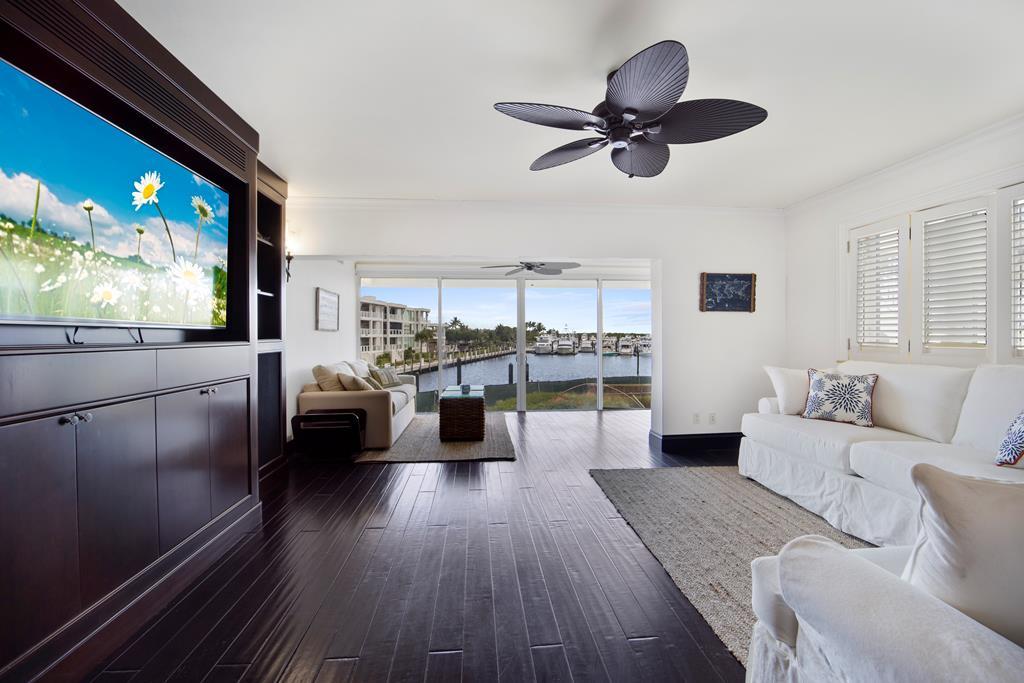8 Marina Drive, Key Largo, Florida