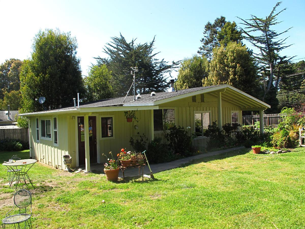 32671 Simpson Ln, Fort Bragg, CA 95437