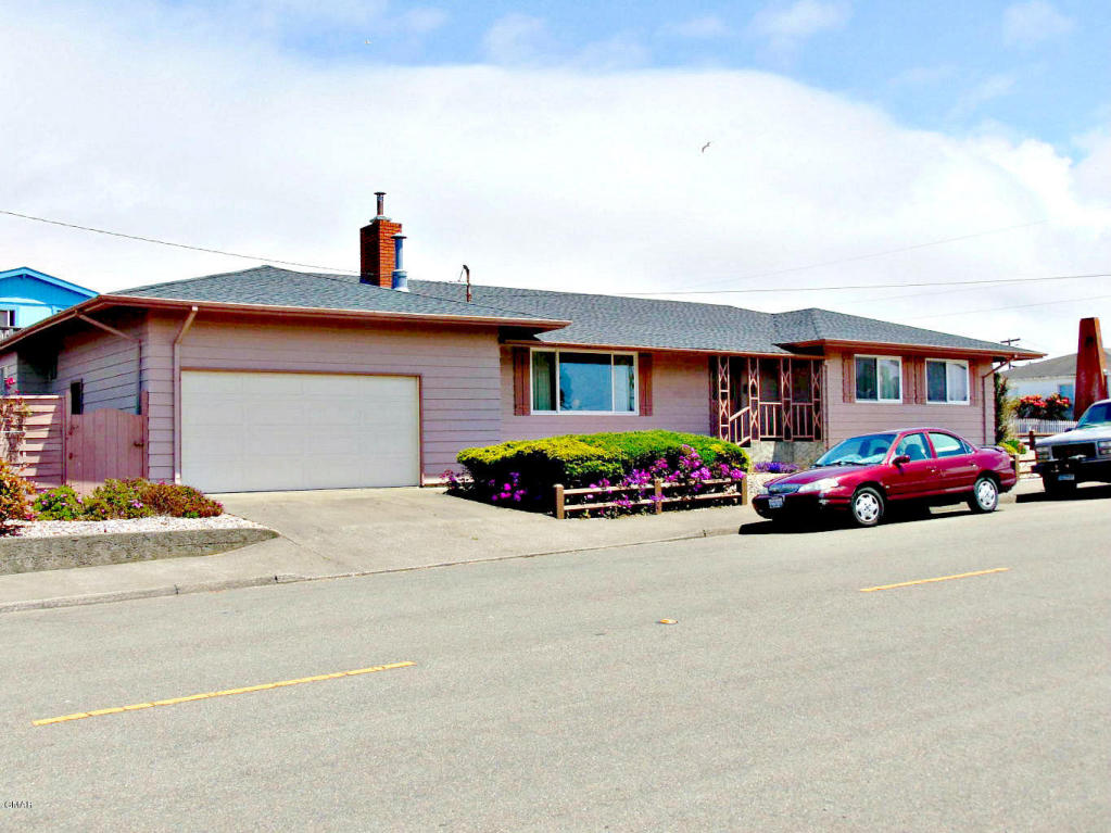 Photo of 290 S Whipple St  Fort Bragg  CA